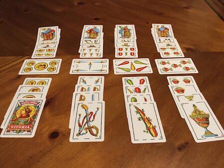 Imagen de una partida de Cinquillo.