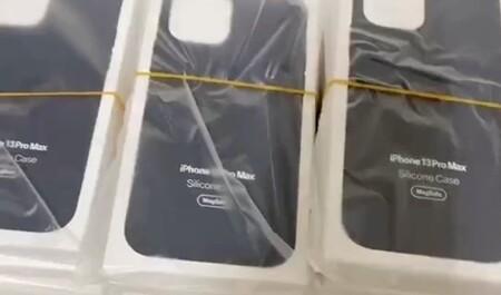 Un vídeo eliminado confirma el 'naming' del iPhone 13 en las supuestas fundas que llevará este modelo