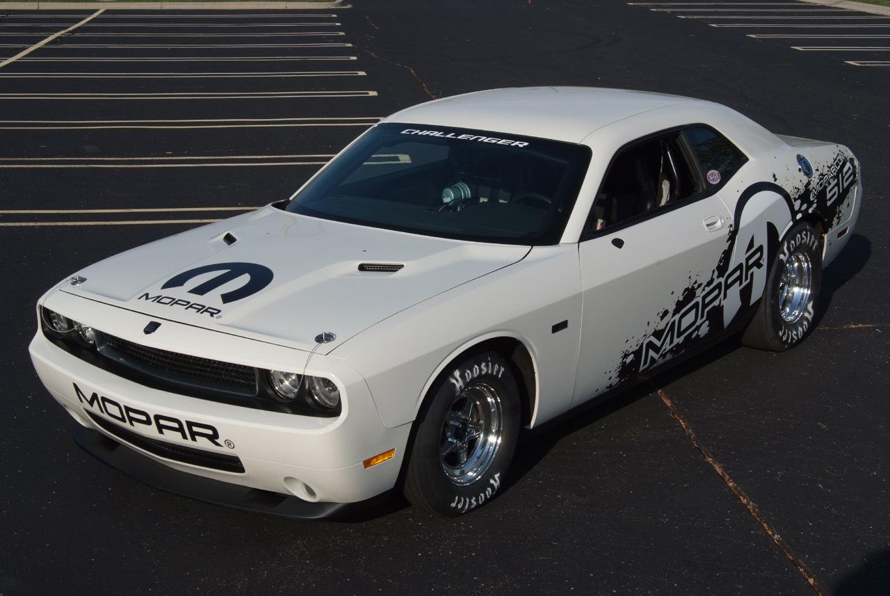 Foto de 2011 Mopar Dodge Challenger Drag Pak (1/10)
