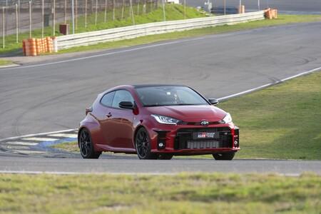 Toyota GR Yaris, al volante de un hot-hatch de carreras, legal para calle, que emociona como ninguno