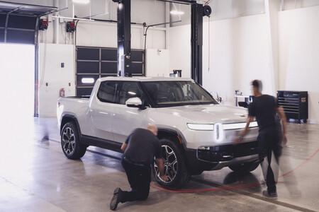Rivian busca localización para su segunda fábrica de coches eléctricos en EEUU mientras anuncia más retrasos en las entregas
