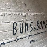 ¿Buscas una fusión de cocinas internacionales? Buns&Bones Madrid está hecho para ti