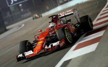 Sebastian Vettel gana en Singapur con los Mercedes desconocidos