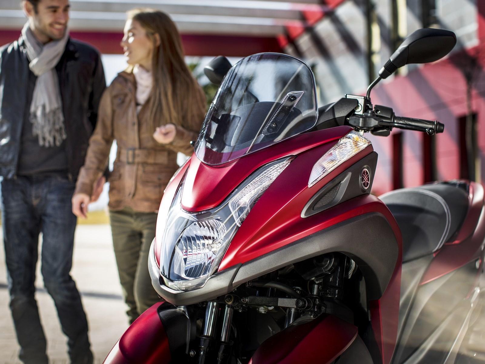 Foto de Yamaha Tricity 125 cc acción (18/21)