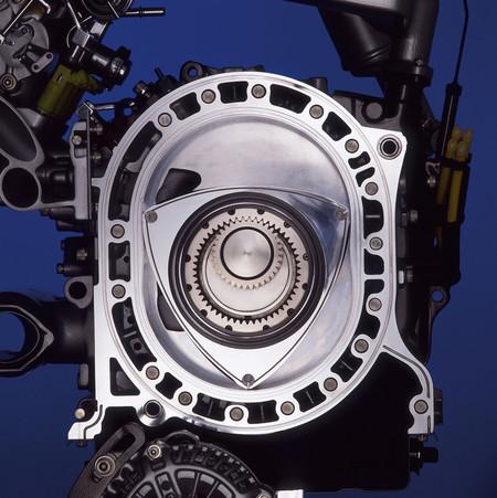 El primer modelo con motor rotativo de Mazda cumple 50 años: repasamos su historia