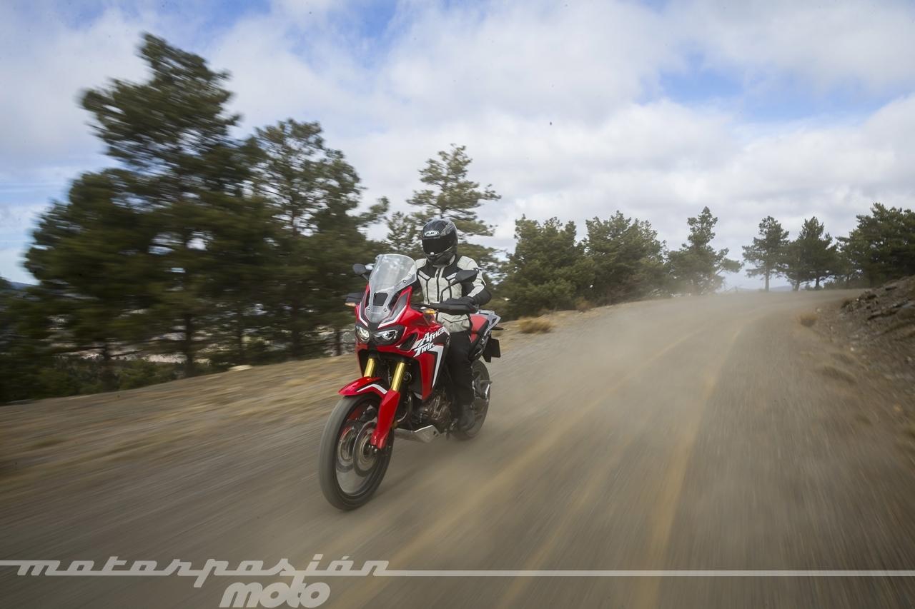 Foto de Honda CRF1000L Africa Twin carretera (20/23)