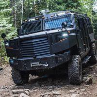 La última bestia de Inkas Armored se llama Superior APC/AMEV y es un todoterreno de transporte