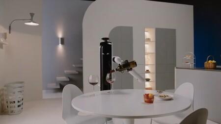 Los nuevos robots de Samsung que llegarán al hogar incluyen hasta una mano para servirte una copa de vino