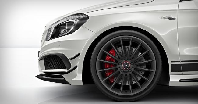 Mercedes-Benz A 45 AMG llantas