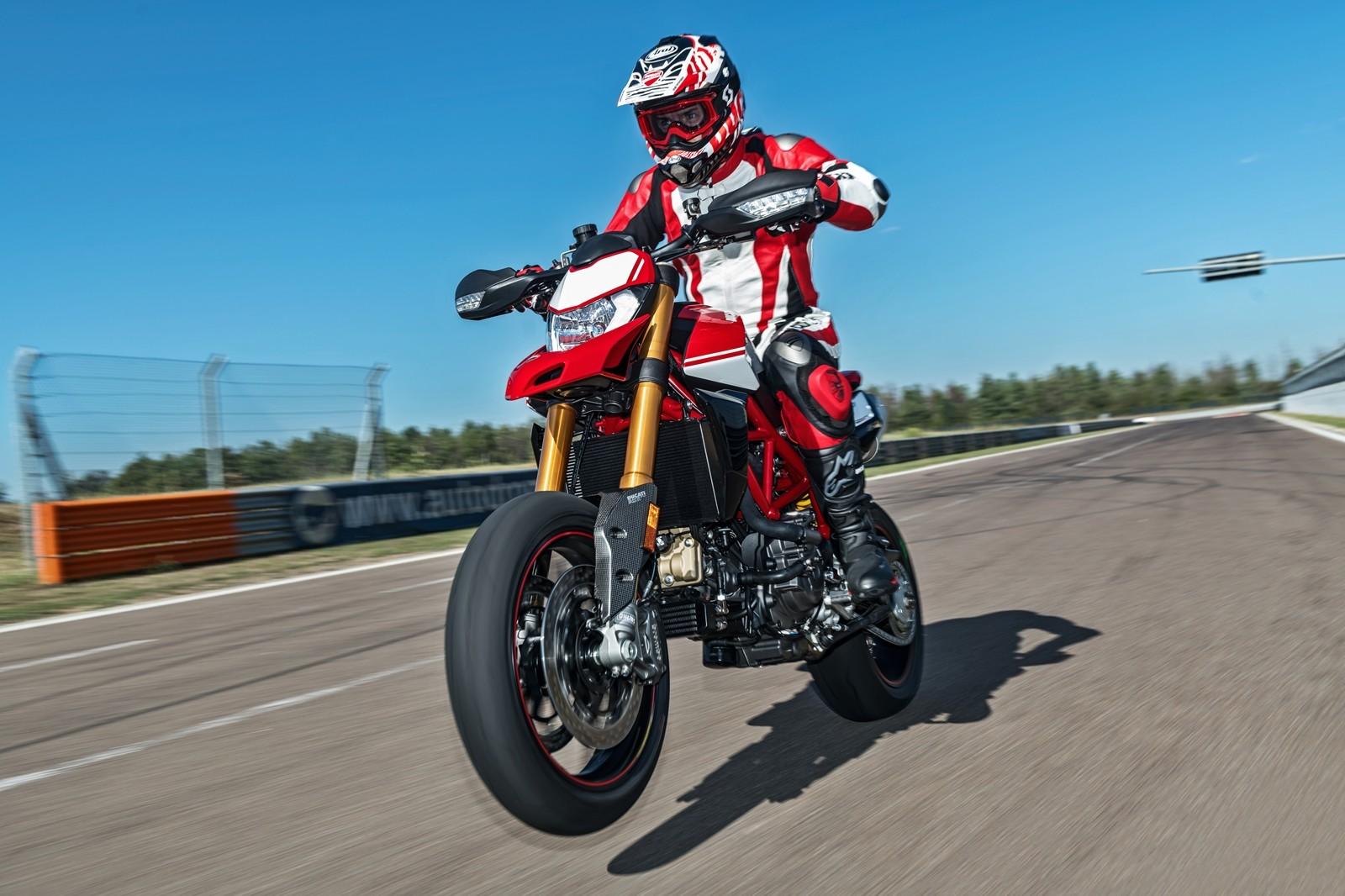 Foto de Ducati Hypermotard 950 2019 (11/76)