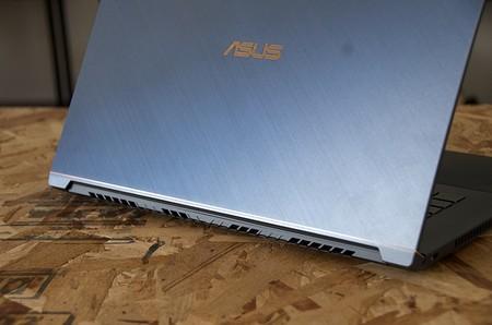 Asus Probook 17 Trasera