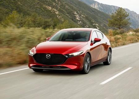 Mazda llama a revisión al Mazda 3 2019 en México por problemas con birlos