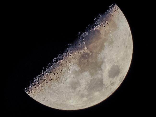 Desde exploración lunar hasta paparazzi: así es el monstruoso zoom de la Nikon Coolpix P900