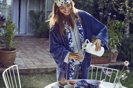 Vas a querer que llegue el otoño para ponerte los pijamas de Women'secret, que además son a juego con manteles y cuencos