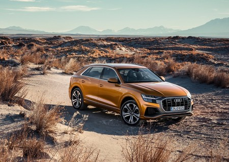 Audi Q8 2019 1600 04