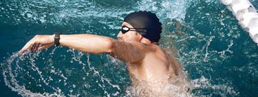 Las mejores pulseras deportivas sumergibles y con estilo para lucir sin problema bajo el agua