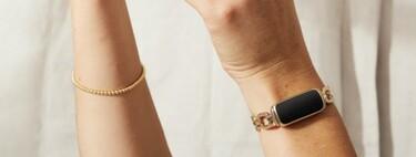 Joyería inteligente: la nueva pulsera de actividad Fitbit Luxe con eslabones dorados parece una joya más que un gadget