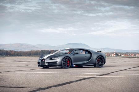 Bugatti Chiron Sport Les Legendes Du Ciel 2021 002