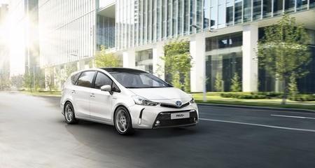 El renovado Toyota Prius+, primer híbrido de siete plazas, se pone a la venta