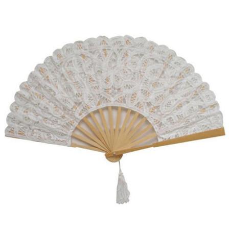 Fan White Grande 017c9184 40f0 446d Aa34 A428bd9eb52515