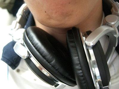 Cada vez son más los jóvenes con pérdida de audición