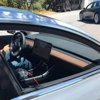 El interior del Tesla Model 3 es una enorme pantalla. ¿Acaso pensabas que sería diferente?