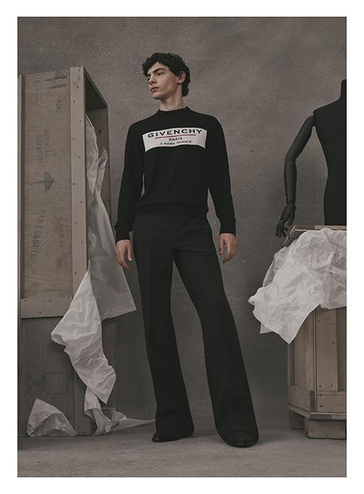Foto de Givenchy Ateler Collection (3/10)