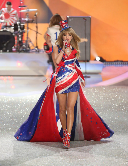 Taylor Swift Victorias Secret desfile 2013