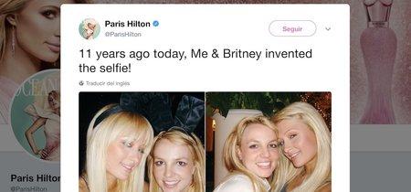 Paris Hilton asegura que ella y Britney inventaron 'el selfie' en 2006 e internet se encarga se sacarla de su error