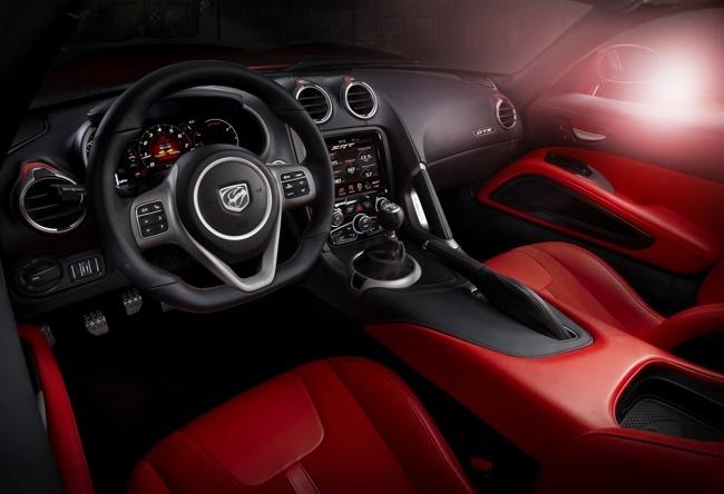 SRT Viper 2013 interior