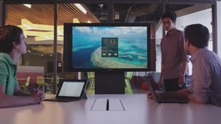 Microsoft enseña en este vídeo lo que podremos hacer con las 84 pulgadas de la Surface Hub