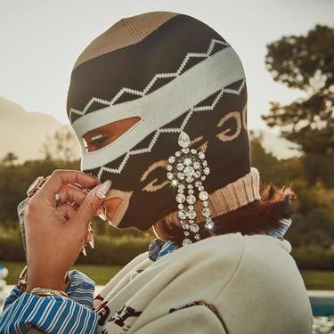 Podría ser un 'hooligan' o un 'wrestler', pero es Rihanna de incógnito (o no) en Coachella 2018