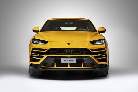 ¿Techie o Racing? Así va el nuevo Lamborghini Urus contra el Tesla Model X