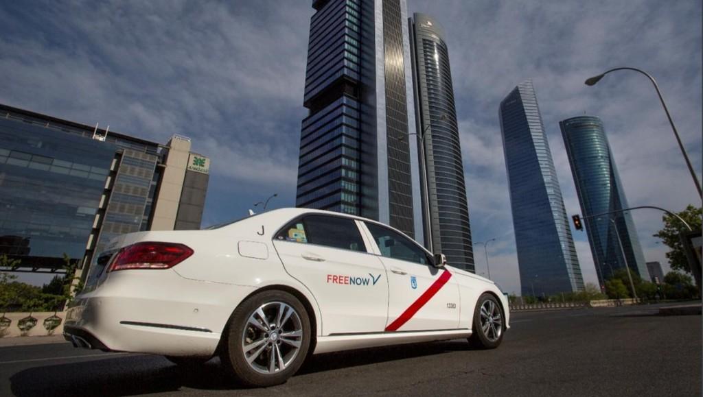 Free Now cifra en 214 millones de euros el ahorro que supondría liberalizar el sector del taxi en España