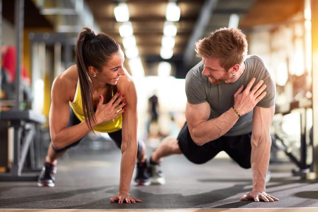 Plancha Sobre Tres Apoyos: elaborar la plancha sobre 3 apoyos añade complejidad al ejercicio