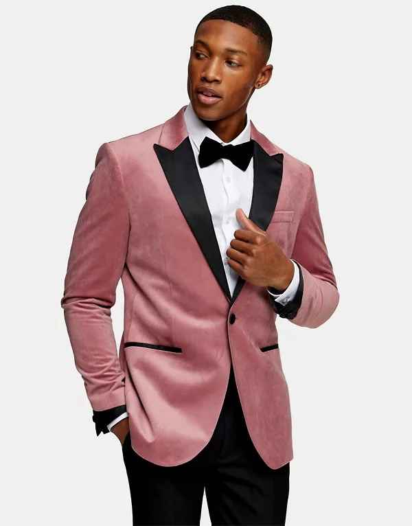 Chaqueta de esmoquin rosa entallada con botonadura simple de terciopelo de Topman