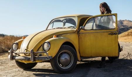 En su spin-off, Bumblebee regresa a sus orígenes como un simpático vochito amarillo