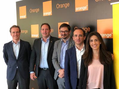La mitad de los clientes de banda ancha fija de Orange ya tienen fibra