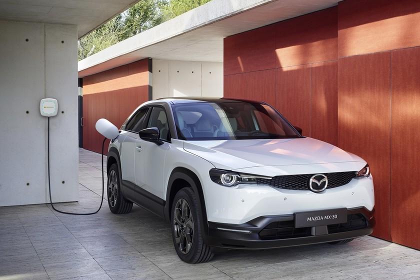 El Mazda MX-30 eléctrico llegará con un punto de carga gratis de 7,4 kW gracias al acuerdo con Iberdrola