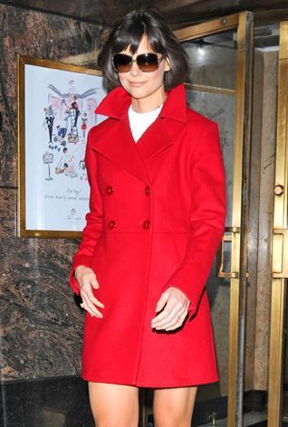 Katie Holmes, la mujer de rojo