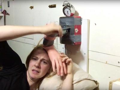 Si eres de los que no hacen caso al despertador, esta chica maker tiene una solución infalible