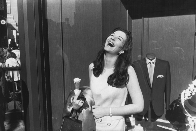 Garry Winogrand Iks 01 C The Estate Of Garry Winogrand Courtesy Fraenkel Gallery San Francisco