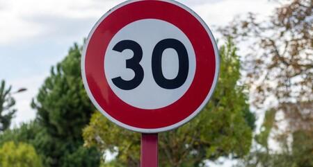 Estos son los nuevos límites de velocidad para la circulación por las vías urbanas de tu ciudad
