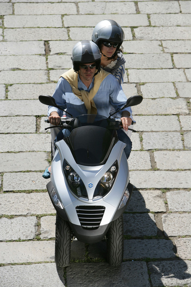 Foto de Piaggio MP3 400 ie (33/36)