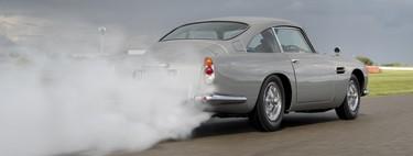 El Aston Martin DB5 Goldfinger Continuation sale de paseo presumiendo todos los gadgets utilizados por James Bond 007