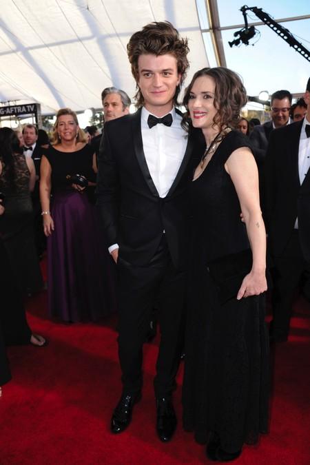 Winona Ryder y Joe Keery