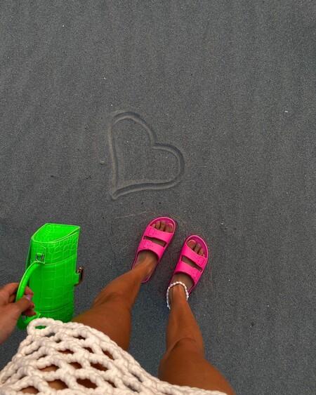 Siete pulseras tobilleras para dar un toque de estilo a tus estilismos de playa y piscina