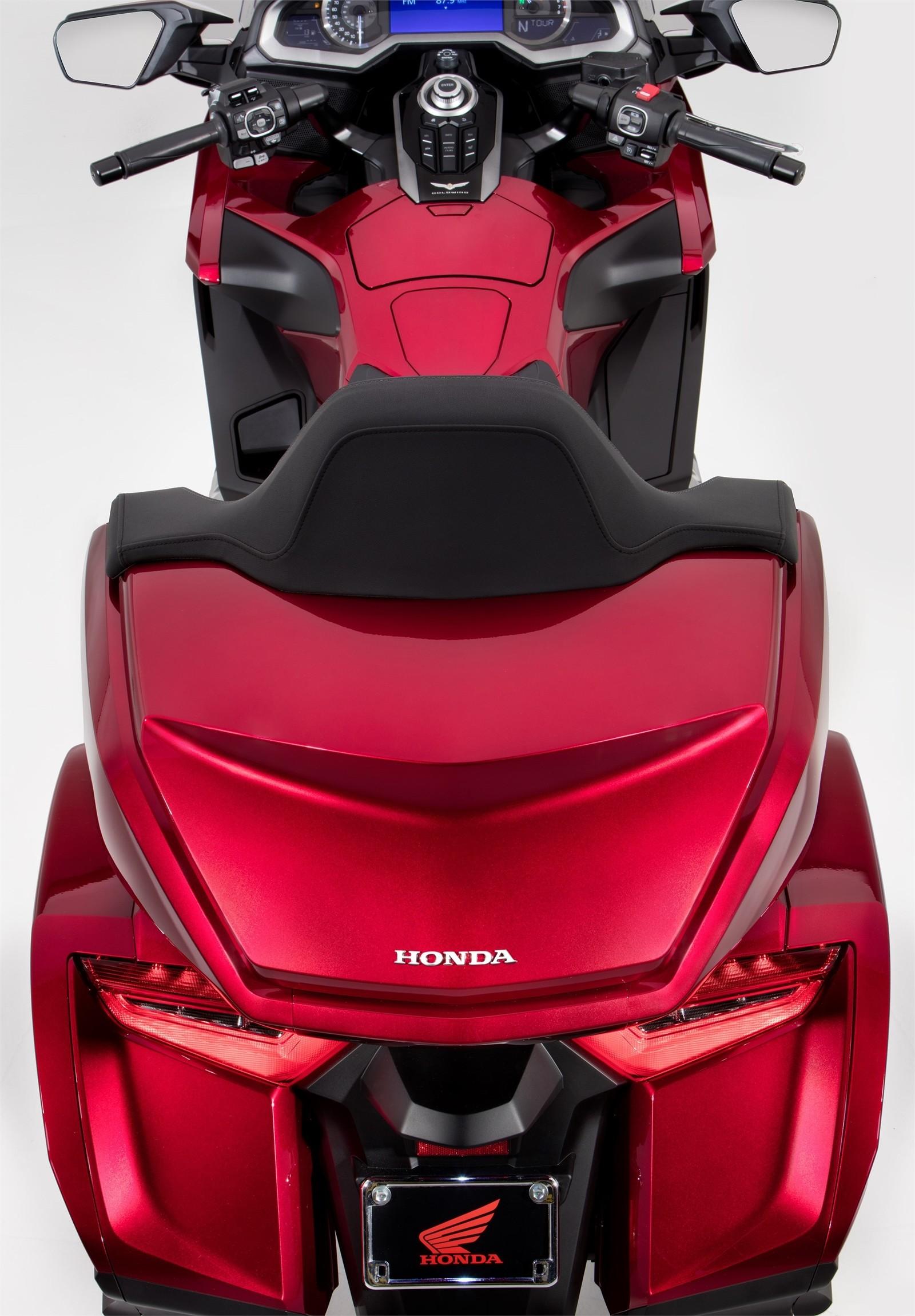 Foto de Honda GL1800 Gold Wing 2018 (56/115)