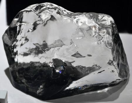Competencia para el diamante tan «duro» como él: una aleación de platino y oro 100 veces más dura que el acero