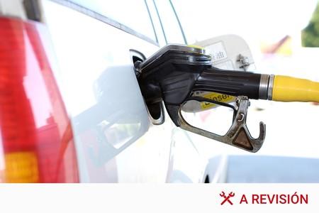 El viejo truco de echar gasolina en los coches diésel: más daños que beneficios
